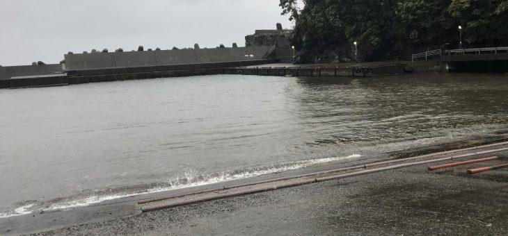 大雨でダイビング中止